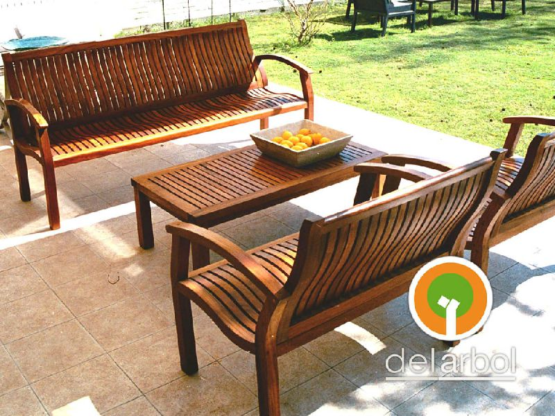 Mesa baja auxiliar santiago de madera para jard n y for Mesa baja jardin