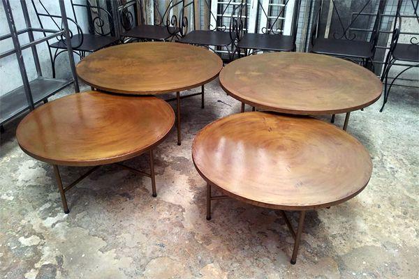 Mesas de hierro para jard n y exterior del for Fabrica de muebles para jardin