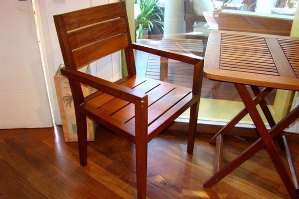 Sillas bancos de madera para interior del for Bancos de madera para interior baratos